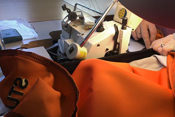 rainbowsuits-flywear-produktion-lieferzeiten